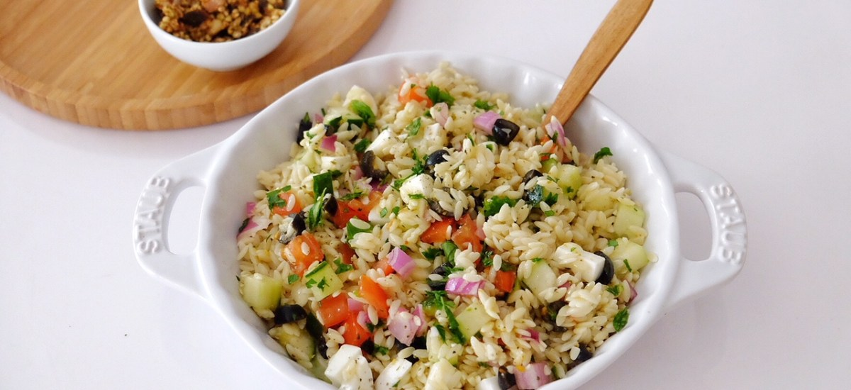 Summer salad with Greek pasta