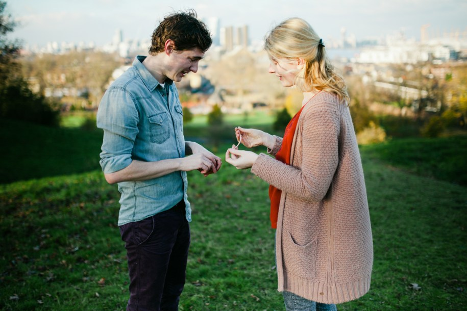 Engagement photos in Greenwich Park by London wedding photographer