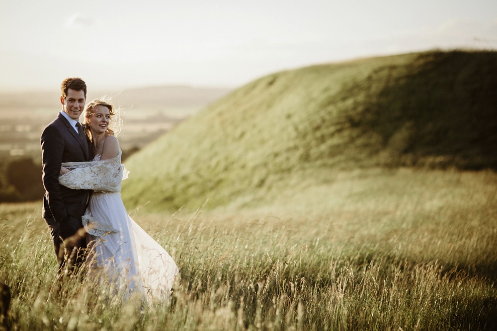 bride and groom portrait shoo on white horse hill