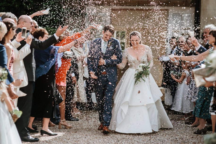 confetti ideas by London wedding photographers