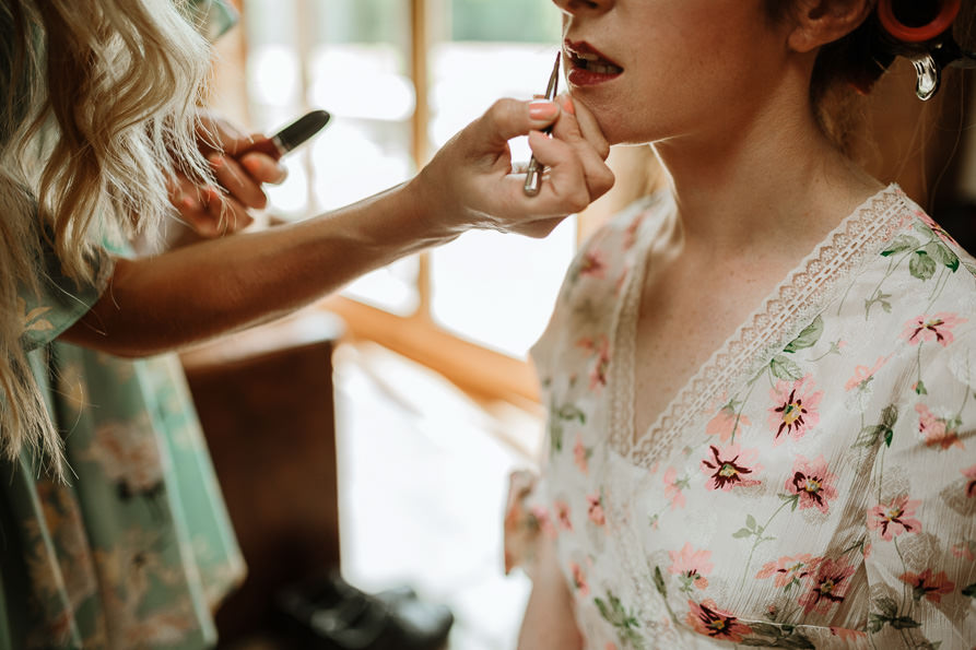 bride make-up details shot