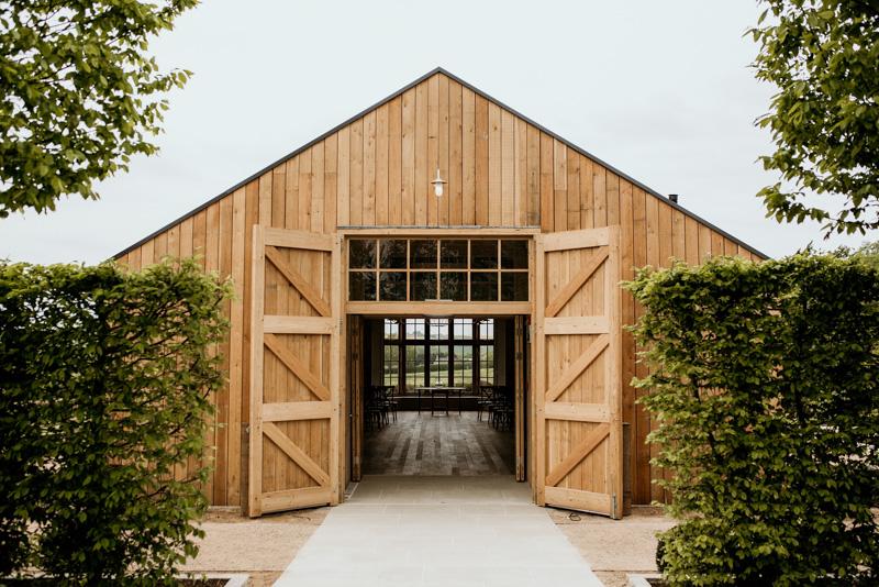 Cotswolds wedding photographers Hyde House Barn