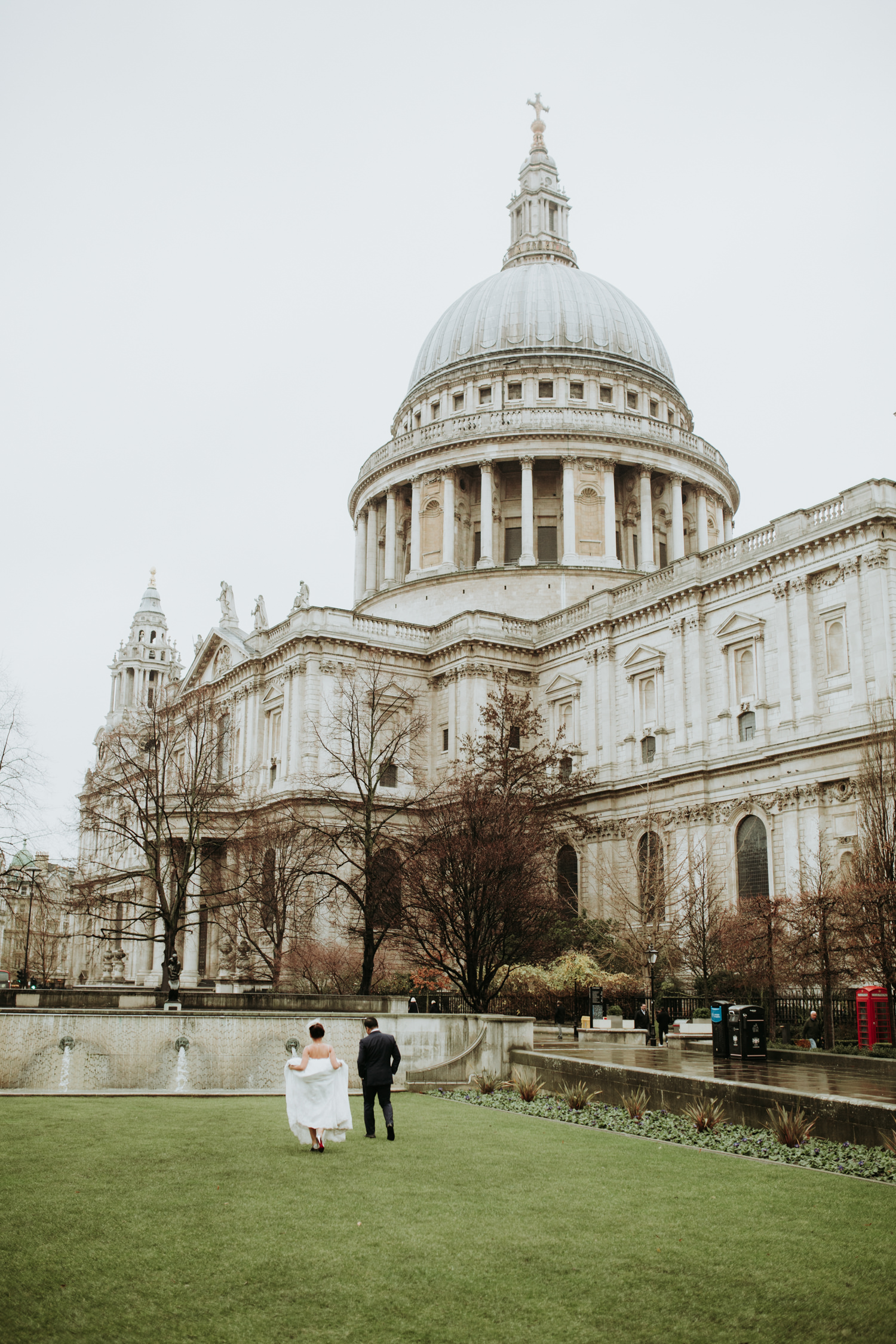 wedding portrait near St Paul's Cathedral in London city