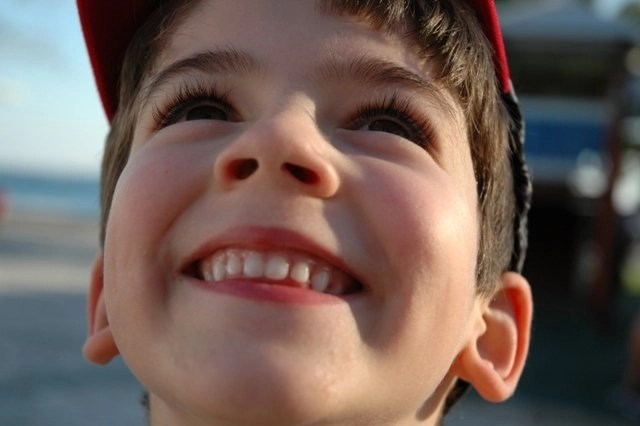 How to Help Your Kids Develop Healthy Teeth & Attractive Smiles