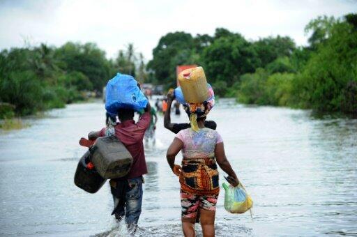 Liberia: la mer chasse les habitants du plus grand bidonville