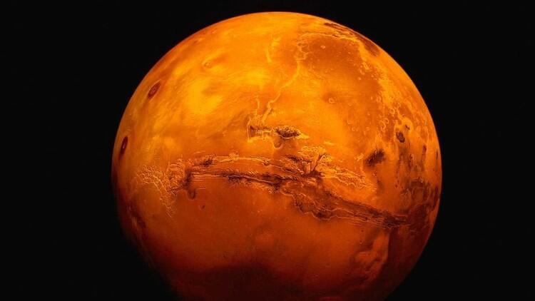 """ناسا تختبر محركا سيحمل """"أوريون"""" إلى المريخ"""