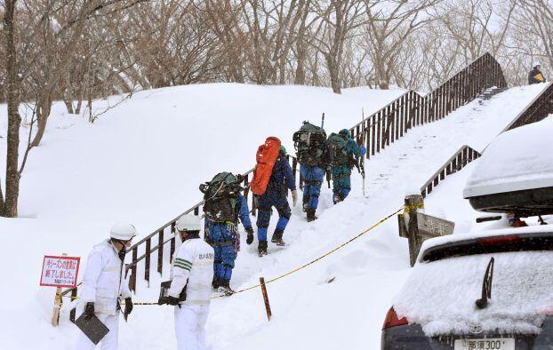 انهيار جليدي في اليابان قد يودي بحياة 8 أشخاص