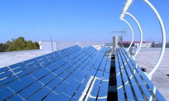 تطوير جهاز يعمل بالطاقة الشمسية لسحب المياه من الهواء الجاف