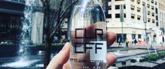 قهوة شفافة للحفاظ على بياض الاسنان!