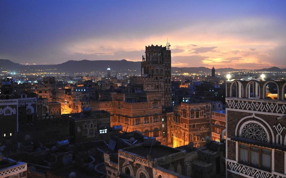 اليمنيون يواجهون الحرب… بالطاقة الشمسية!