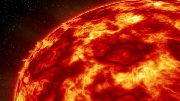 انفجار فائق الشدة يهز الشمس وينعكس على كوكبنا