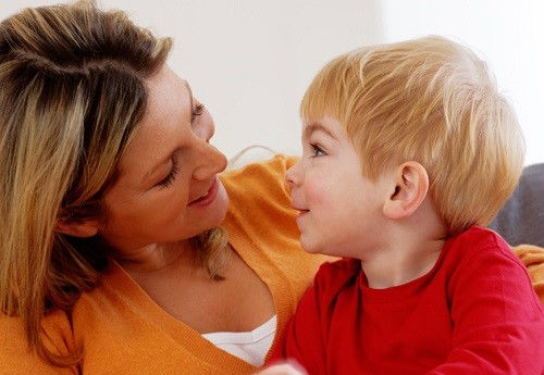ساعدي طفلك في التعبير عن مشاعره