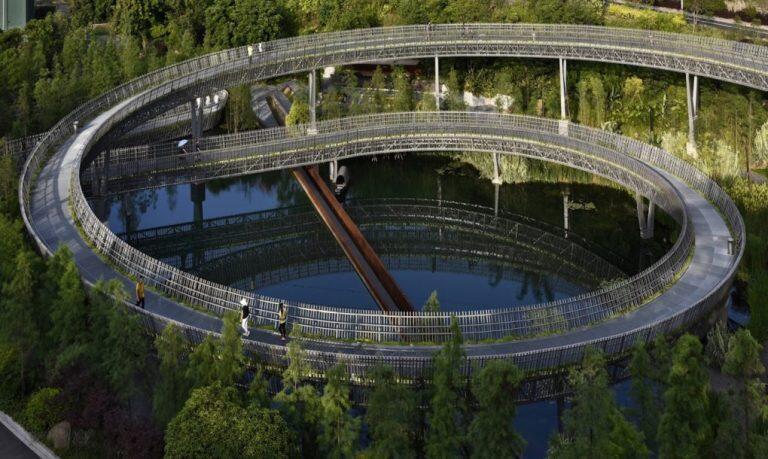 Esta pasarela verde acerca la naturaleza a los habitantes de una ciudad en China
