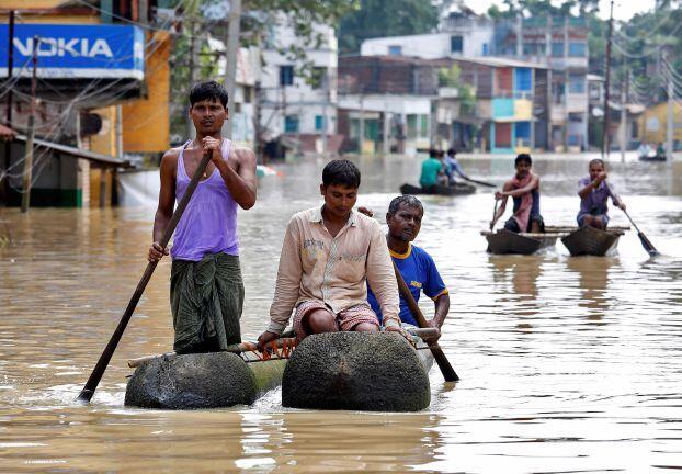 الفيضانات تودي بحياة 120 شخصاً في الهند