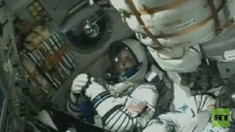 """""""سويوز إم سي-06"""" تلتحم بالمحطة الفضائية الدولية"""
