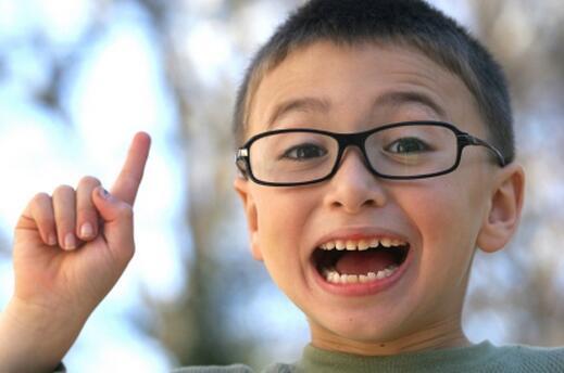 أشياء تُسعد طفلك وتجعله ذكيًا لكنك لا تنتبهين إليها