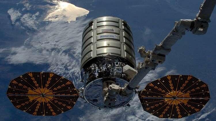 """مركبة """"سيغنوس"""" تلتحم بمحطة الفضاء الدولية"""
