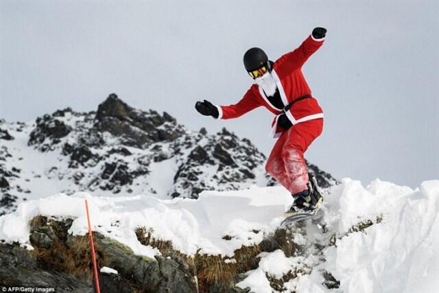 من جبال الألب.. الإحتفالات بالميلاد بدأت!
