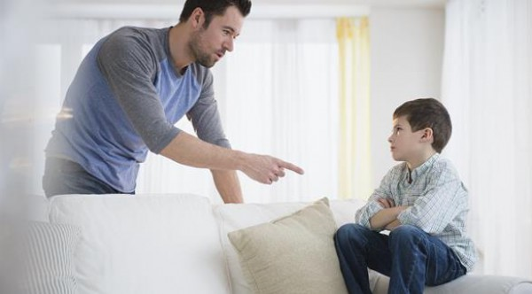 خمسة أنواع من العقاب لا تعرض طفلك لها