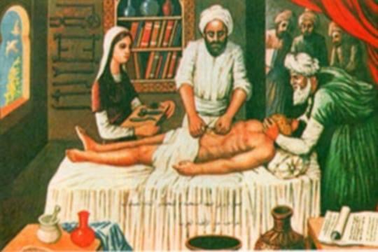 الرازي اول من استخدم الخيوط في الجراحة