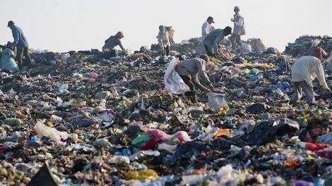 النفايات .. مصدر رزق الآلاف في المغرب