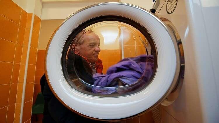 لماذا يجب غسل الملابس الجديدة قبل ارتدائها؟