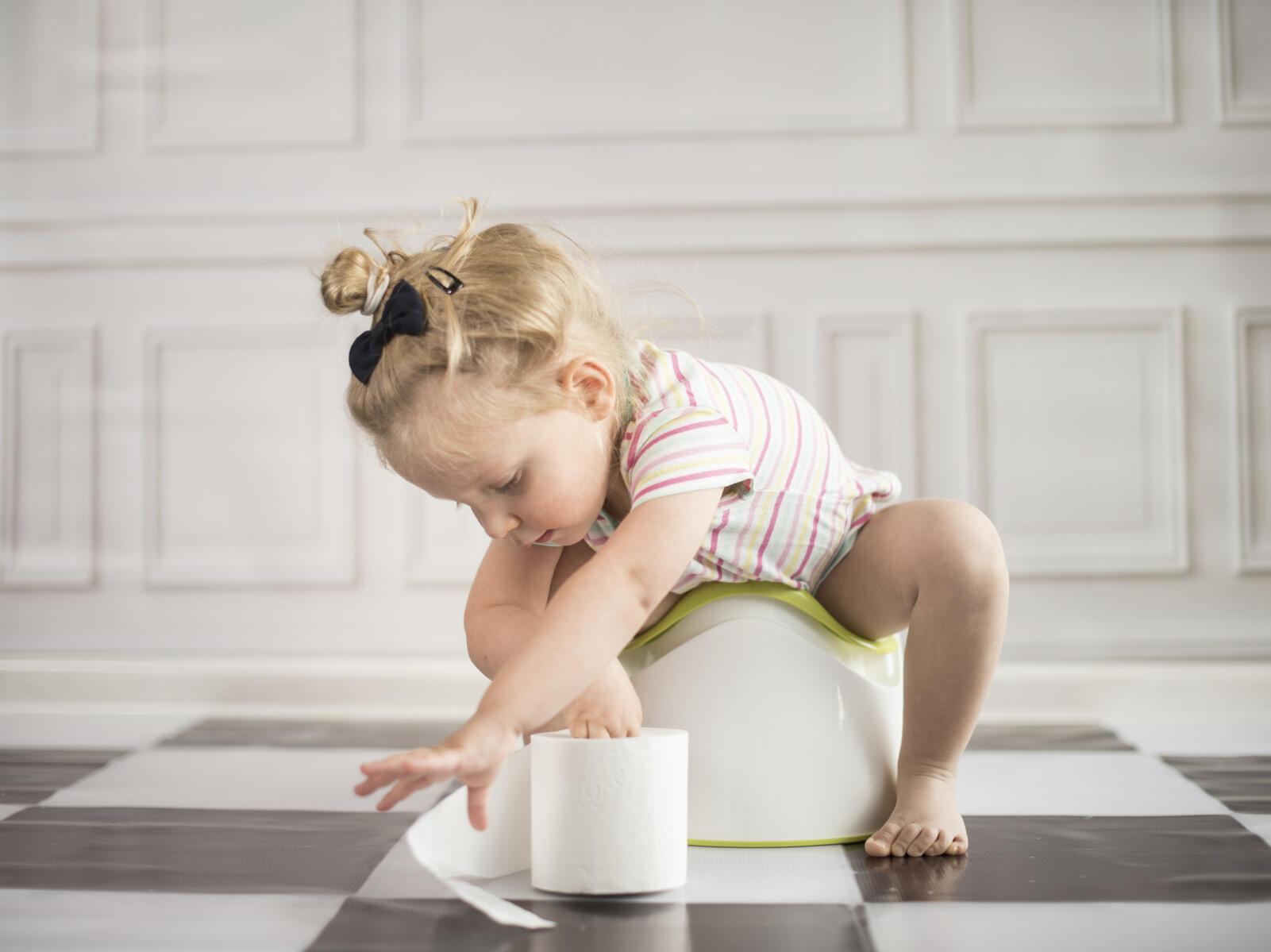 التهاب المسالك البولية عند الطفل .. غياب الرعاية الصحية وقلة شرب المياه
