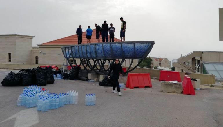 لبنان يطلق أول سفينة في العالم.. من العبوات البلاستيكية