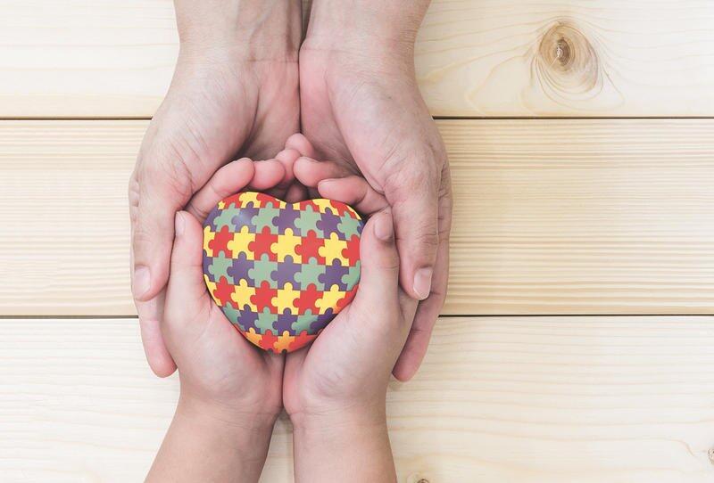 أعراض التوحد عند الأطفال في عمر الشهرين