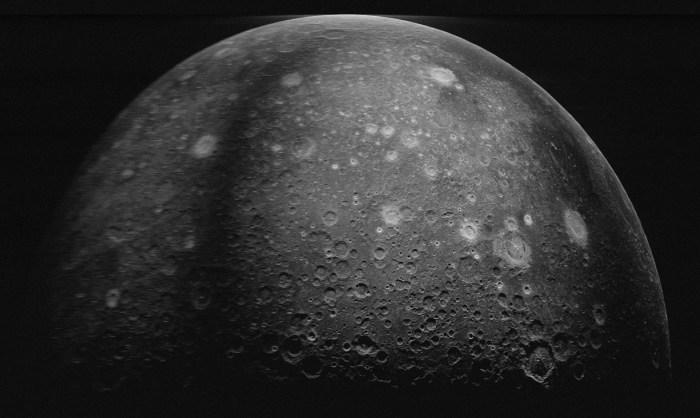lunar southern highlands
