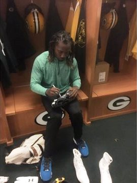 Packers fans give ride to Davon House3_1496766004218_22432847_ver1.0_640_360