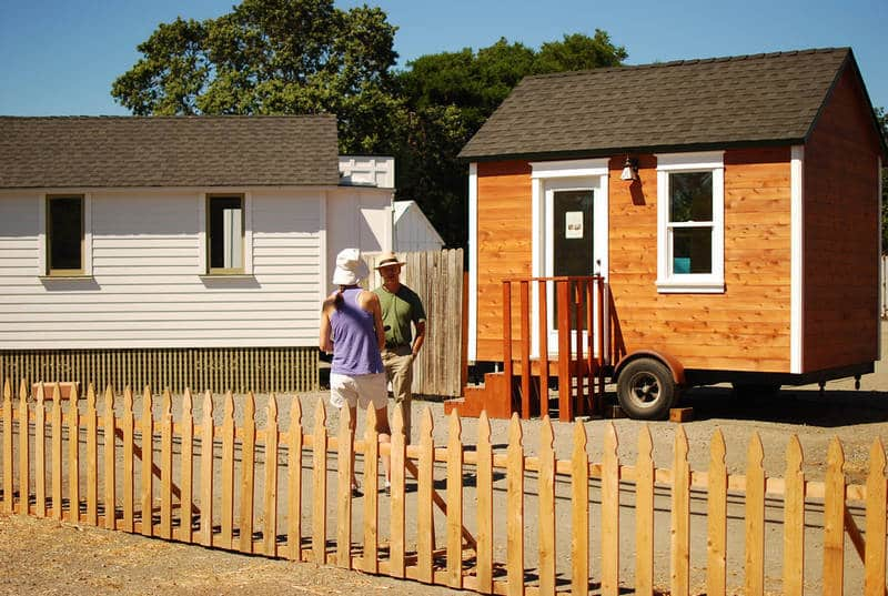 Building an eco-friendly cottage for $10,000