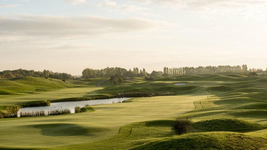 1024 x 576 - Le Golf National 1