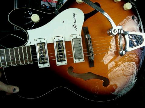 Billie Joe's Guitar - Not Blue - Gibson Harmony Hollow Body (2/3)