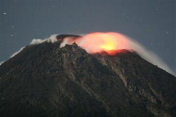 active merapi volcano