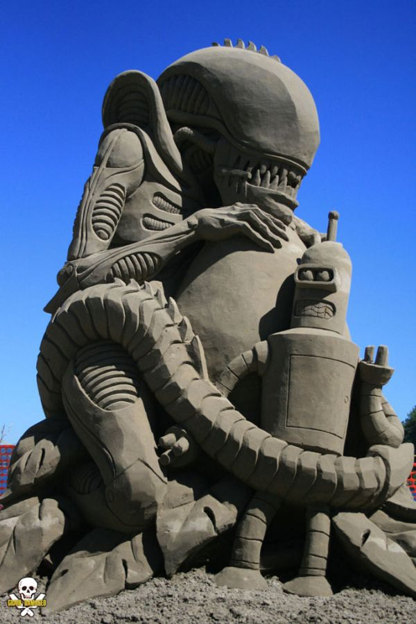 Alien and Bender
