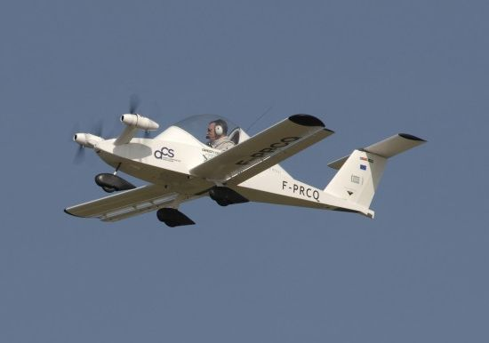 all electric cri airplane succeeds in maiden test
