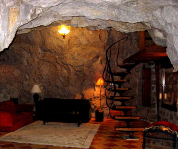 Arizona's Ultimate Cave House