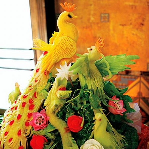 birds carved from fruits and vegetables