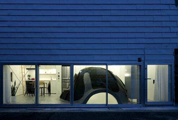 Crazy Japanese House Features Solar Heated Bathroom Bunke