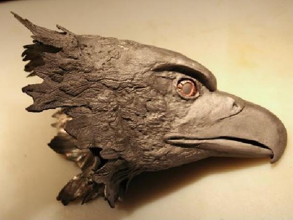 eaglesculptureside 487x365