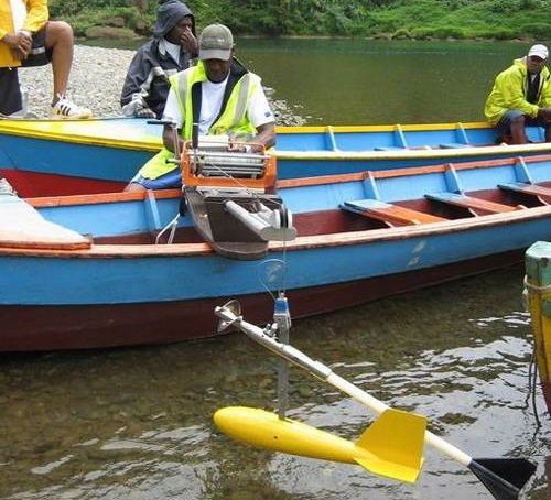 fijian retired engineer develops outboard solar mo