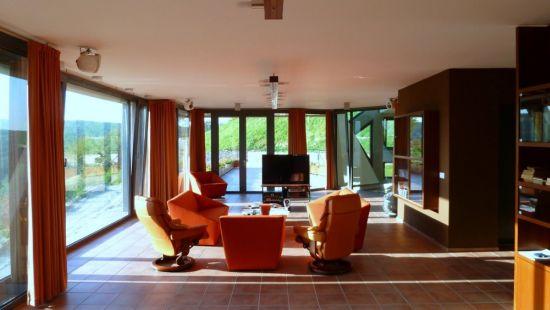 large sustainable tree house 15