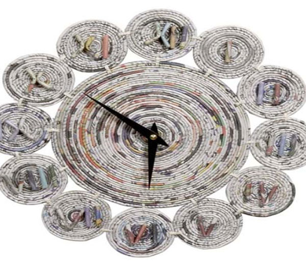 Newspaper clock