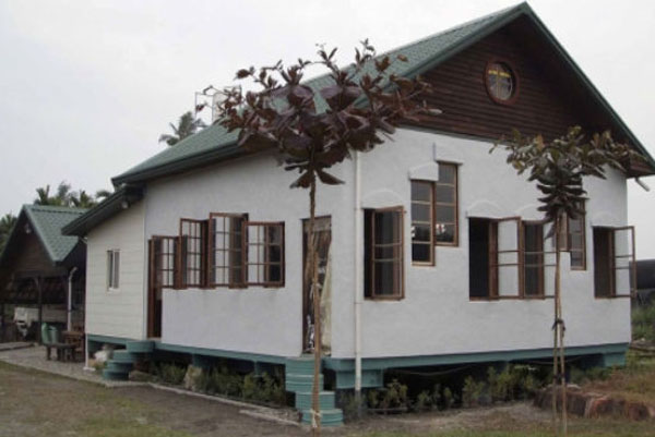 Newspaper schoolhouse
