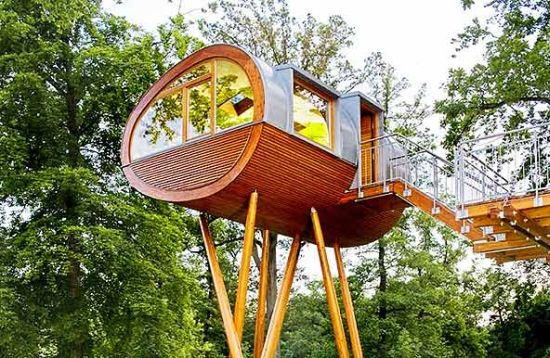 oval tree house 1