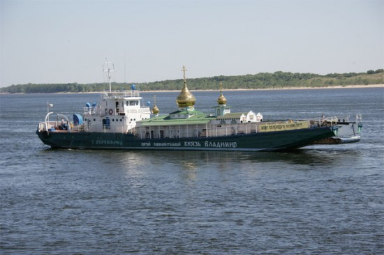 prince saint vladimir self propelled church boat 3