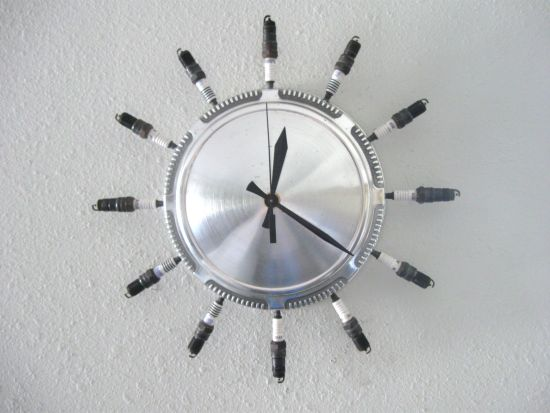 recycled aluminum clock 3