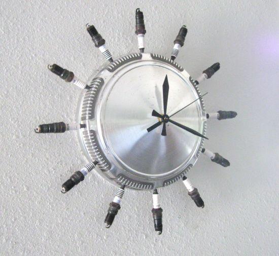 recycled aluminum clock 4