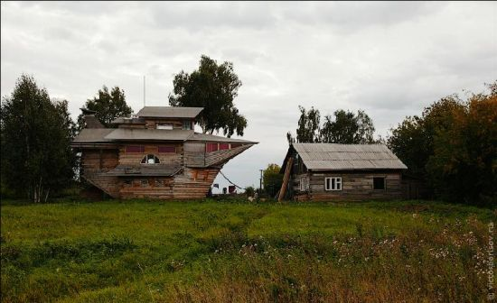 recycled ship house 3